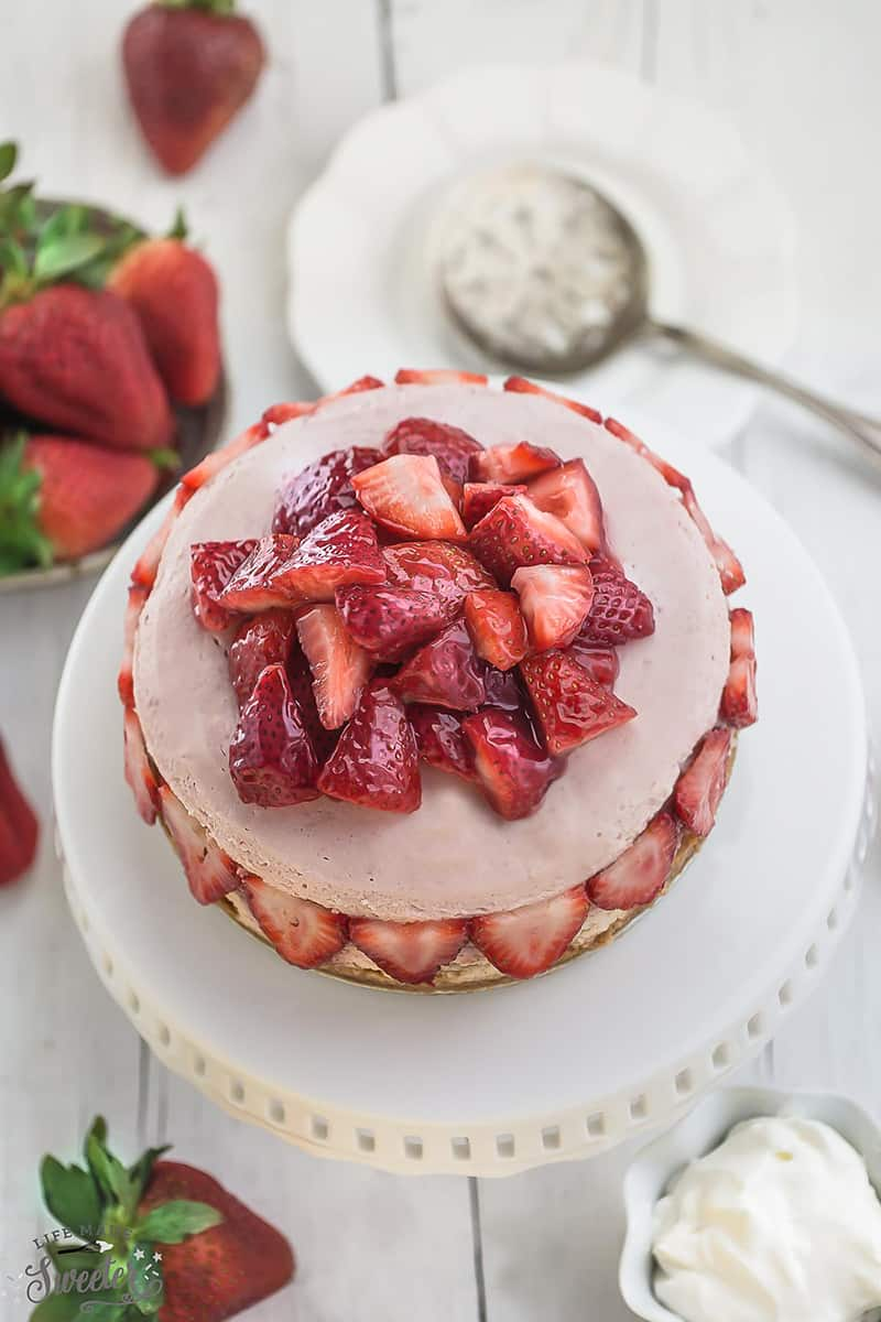 Slow Cooker Strawberries and Cream Cheesecake // Life Made Sweeter