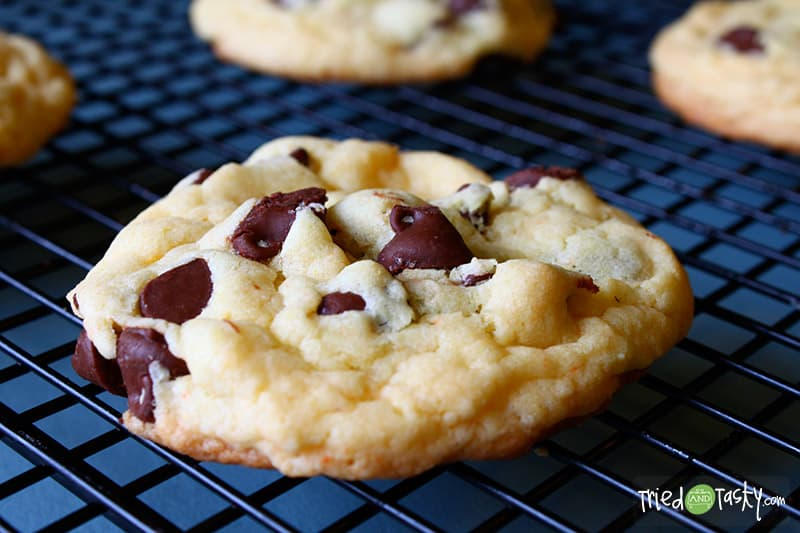Cake Batter Cookies // Is there an easier way to make cookies than with a cake mix? I think not! These are so easy and extremely versatile. Not only that, they are delicious. One bite and you will be hooked!   Tried and Tasty