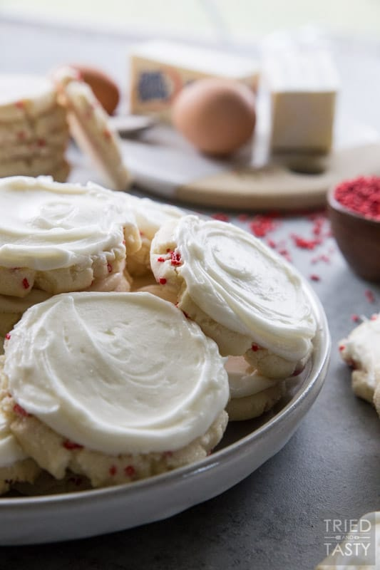 Peppermint Swig Style Sugar Cookies // If you are a fan of peppermint, you will be a fan of these Peppermint 'Swig' Style Sugar Cookies. They are perfectly soft, sweet, and perfectly so peppermint-ee!   Tried and Tasty